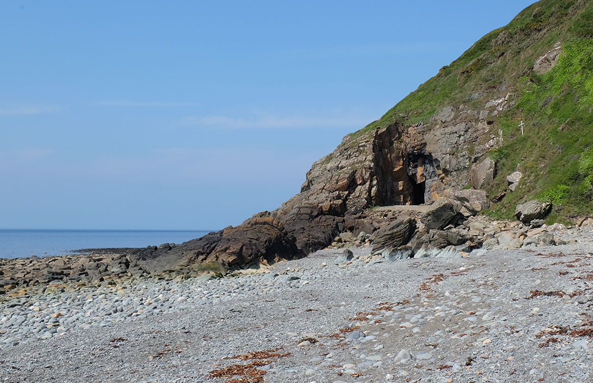 The beach and St Ninian's Cave