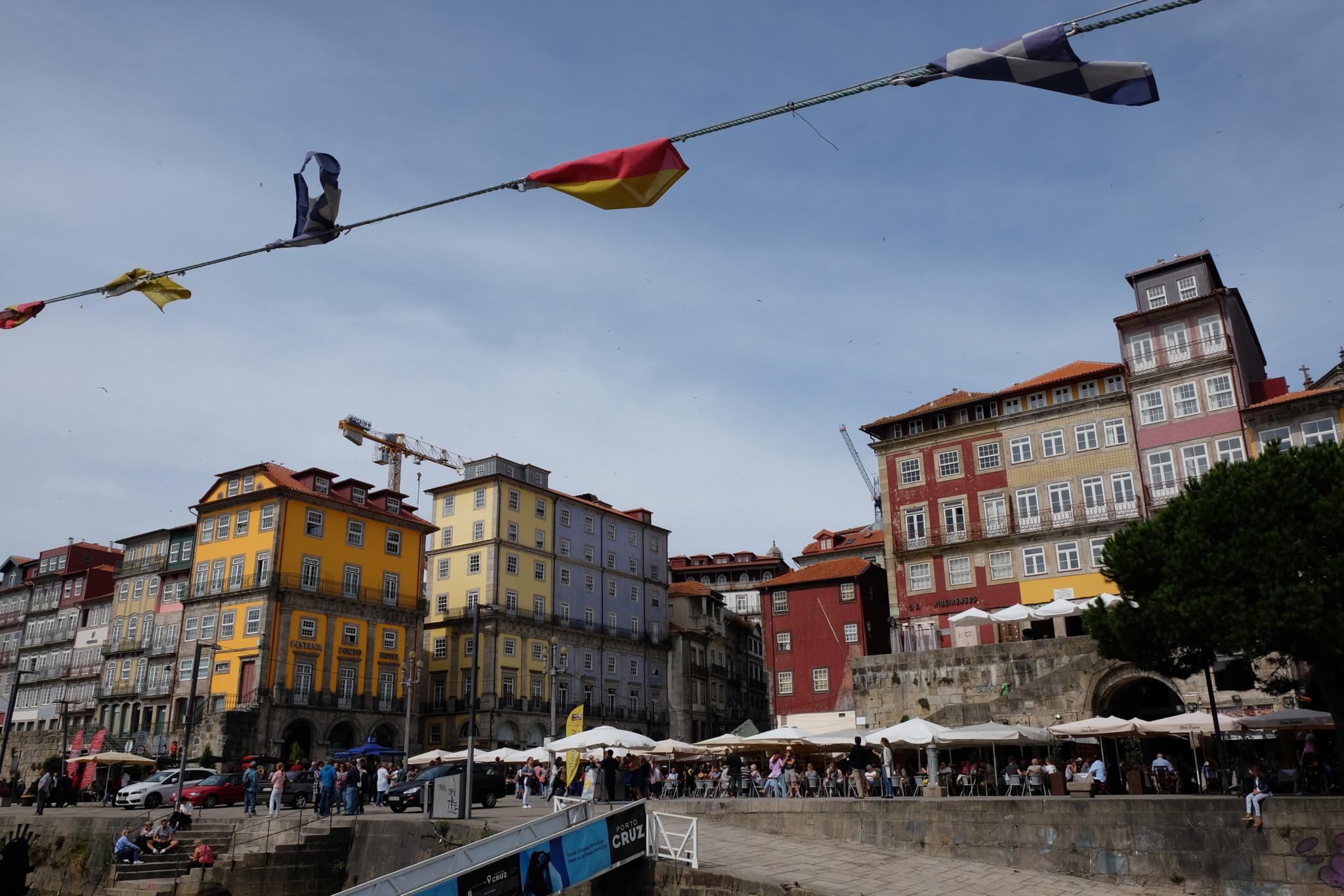 Casting off from Praça da Ribeira on our Six Bridges boat tour