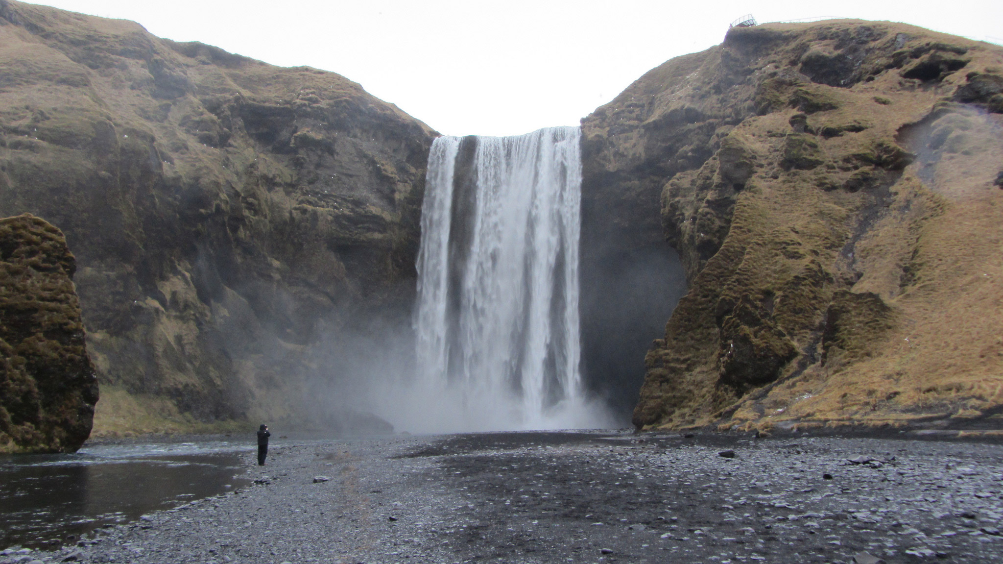 The enormous waterfall at Skógafoss