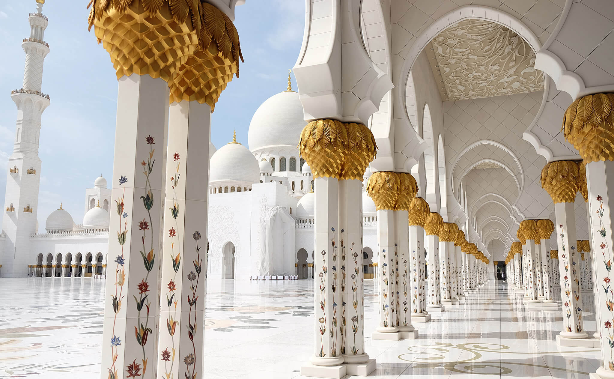 Visiting The Sheikh Zayed Grand Mosque On A Day Trip From