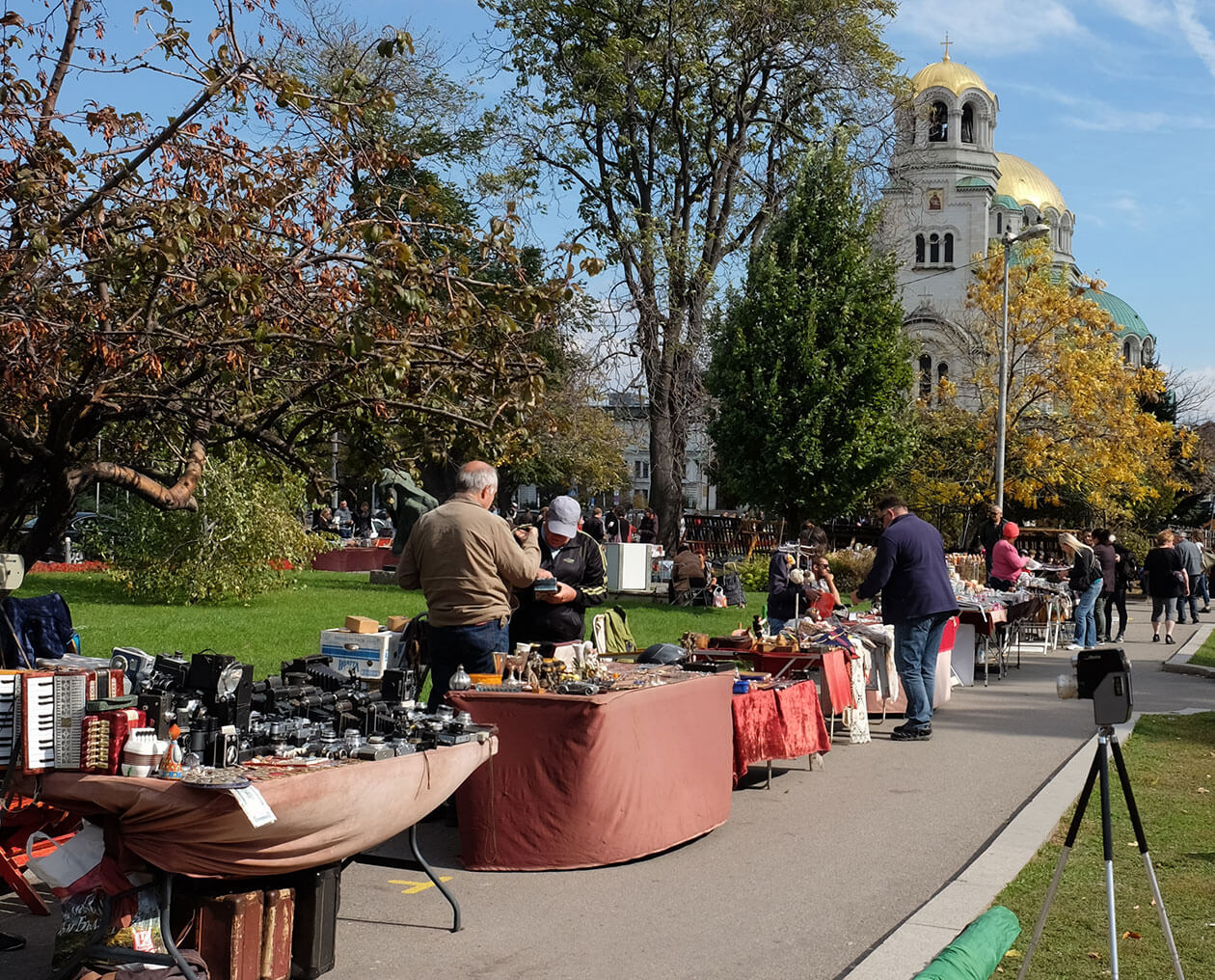 The fleamarket near Alexander Nevsky Cathedral