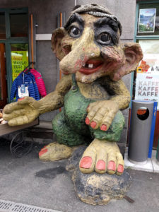 A troll on the station platform at Voss