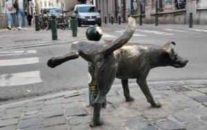 The Het Zinneke peeing dog was installed in 1998