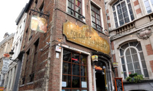 Poechenellekelder is an atmospheric and characterful traditional Brussels pub, opposite the Manneken Pis statue