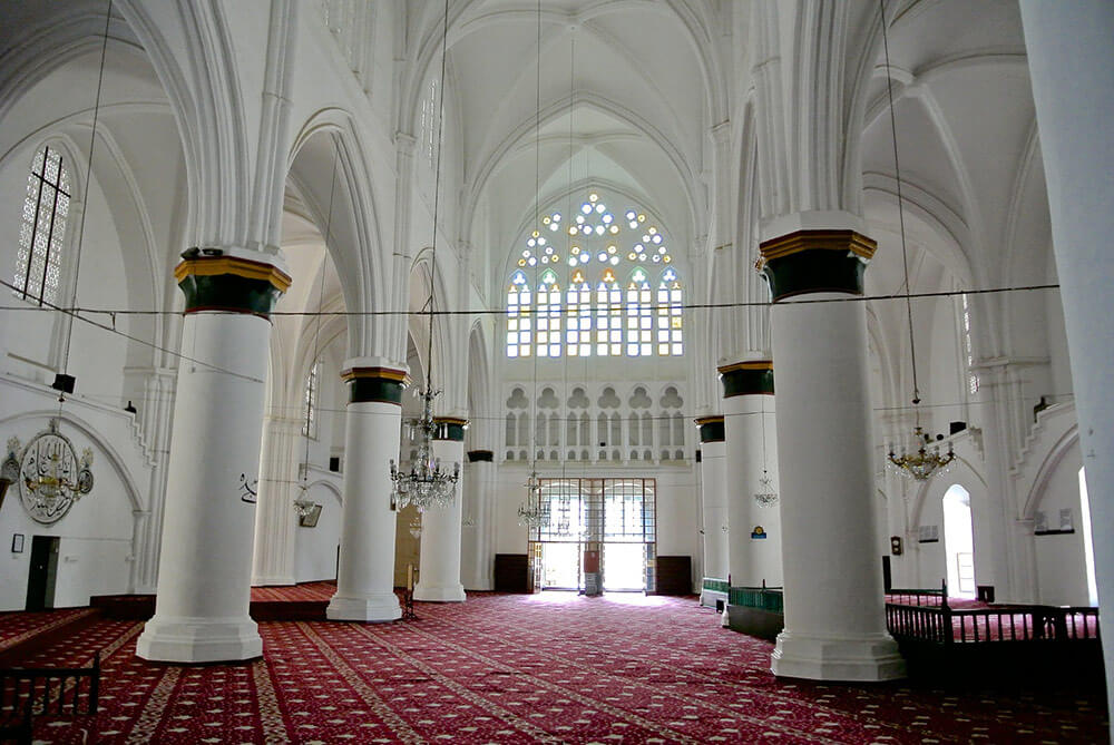 Inside Selimiye Mosque in Nicosia. Image licenced under Creative Commons from Balazs Koren on Flickr.