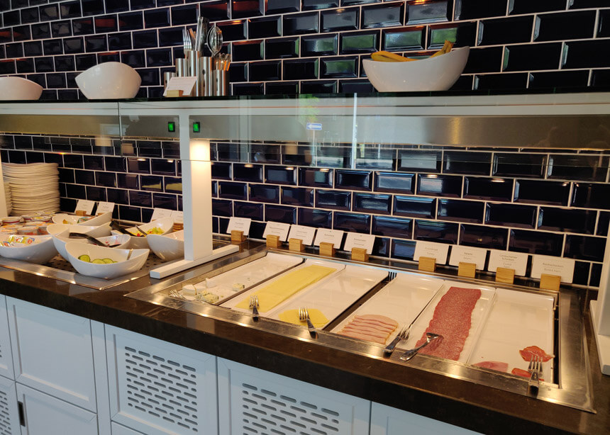 Breakfast is served in the restaurant/bar area