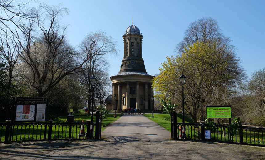 The Congregational Church in Saltaire is just across the road from Titus Salt's mill